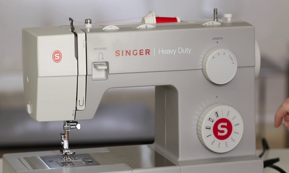 SINGER 4411 Heavy Duty Sewing Machine