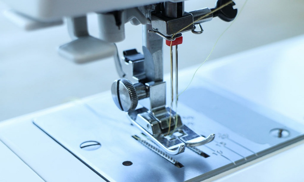 How to Start a Sewing Machine